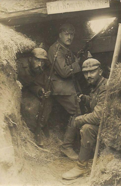 German troops in ww1. Unknown location. les troupes allemandes en ww1. Lieu inconnu.