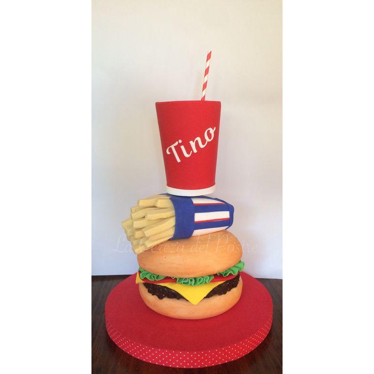 #burguercake #cokecake #towercake #tortahamburguesa #tortacocacola #tortacombo #tortaconestructura #lacerezadelpostre