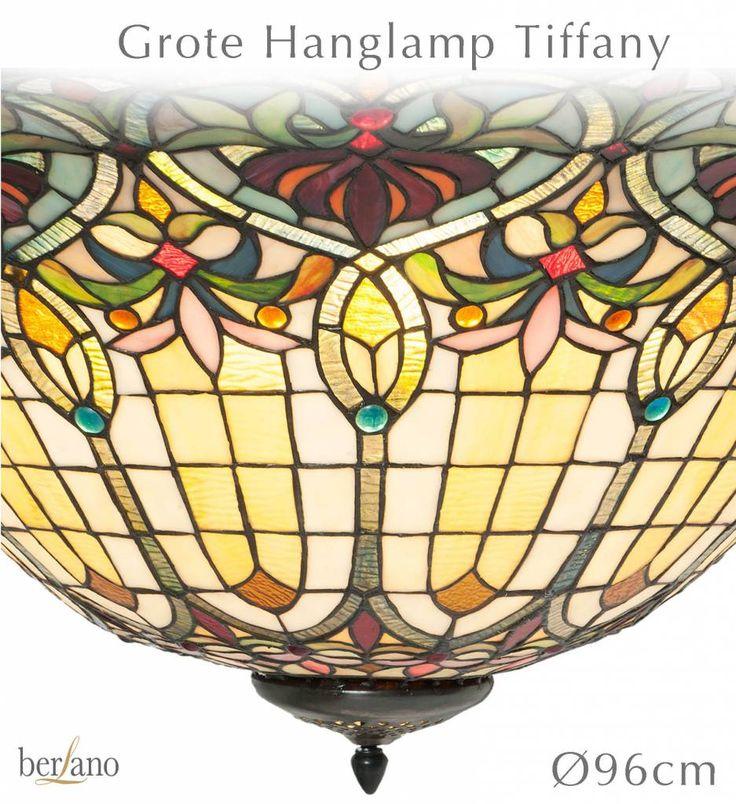 Handgemaakte TIFFANY lampen in alle glas en lood kleuren. Tiffany hanglampen, tafellampen en Tiffany raamdecoratie aan ketting.