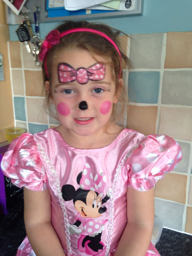 Pink Minnie Mouse face painting | Minnie mouse halloween ...