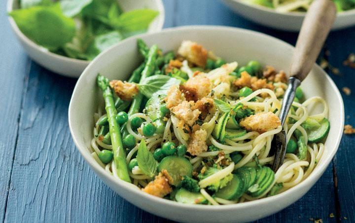 Asparagus, lemon and garlic primavera