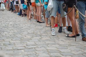 Why people hate waiting in line