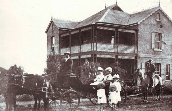 Mrs Tibbie Steyn, wife of Prez Steyn, and daughters under British guard in Bloemfontein ...........ABW