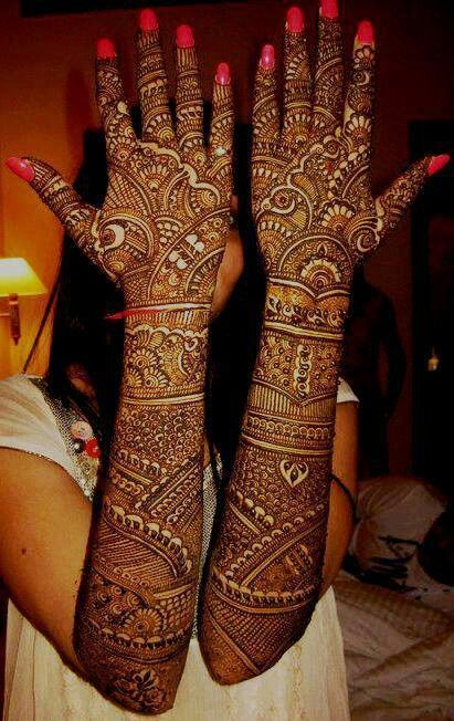 Pinner says- Bridal mehndi- so awesome! i wish this was possible for me but i think its too much