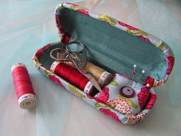glasses case sewing kit :)