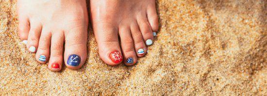 Pediküre-Anleitung: So macht ihr eure Füße schön! - BRIGITTE