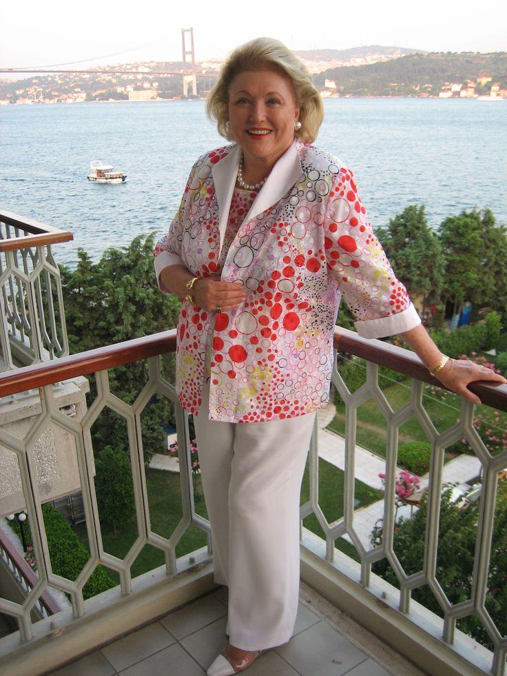 Author Barbara Taylor Bradford in #Istanbul