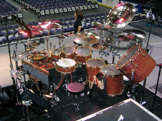Todd Sucherman from Styx. Pearl Custom Bubinga. I think of only one improvement... Paiste cymbals!