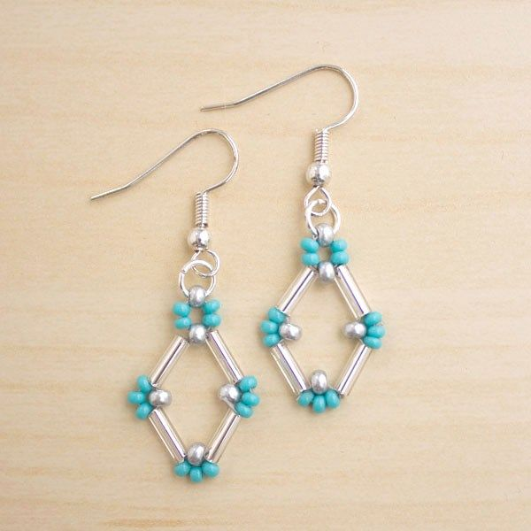 Bugle Bead Earrings DIY - Tutorial from Make and Fable on creating Bugle bead Earrings