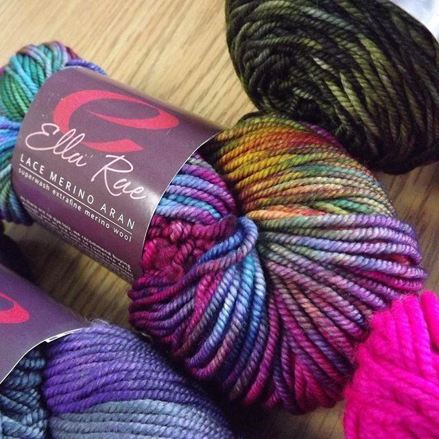 Woweee! This yarn is gorgeous!! On the needles already!!! Wonder what Chloe will whip up? . . . #ellarae #lacemerinoaran #handdyed #luxury #knittingfever