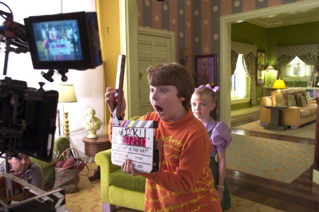 dakota fanning cat in the hat | Spencer Breslin and Dakota Fanning in Dr. Seuss' The Cat in the Hat