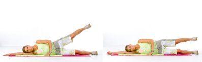 Anfänger trainieren die Außenseite der Oberschenkel, indem sie das obere Bein so weit es geht nach oben heben, und anschließend absenken, ohne es jedoch abzulegen.  Nun heißt es Zähne zusammenbeißen. Von dieser Übung sollten Sie circa 10-20 Wiederholungen durchführen.