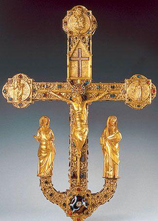 ПРОЦЕССИОННЫЙ КРЕСТ «Фрайбургский» (крест св. Трудперта) Ок. 1280. Верхний Рейн, Страсбург. Золото, серебро, перегородчатая эмаль, стекло, полудрагоценные и драгоценные камни. Высота 71,5. ГЭ