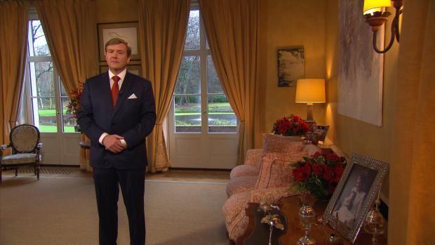https://i.pinimg.com/736x/e7/29/3f/e7293f8369c2c5c49211d8b8a17fb533--dutch-royalty-royal-house.jpg