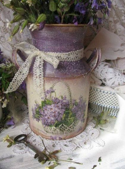 Lilac coloured design on this cute 'milk jug' container.  Ana Rosa