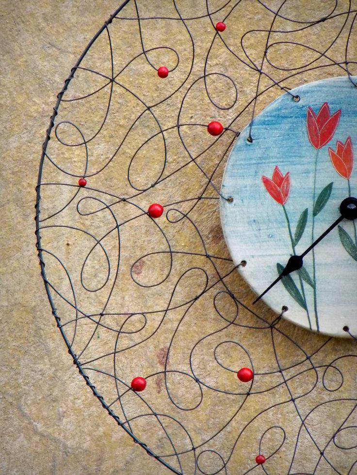 Tulipánové. Drátované hodiny. Hodiny jsem vyrobila podle vlastního návrhu…