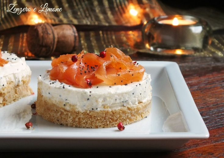 Piccole cheesecake al salmone