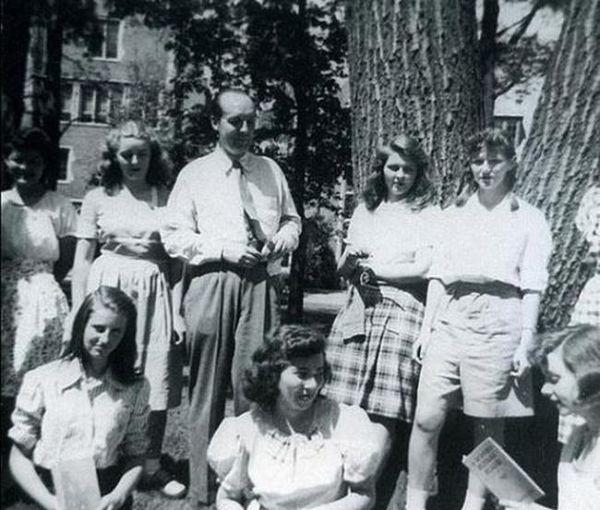 Владимир Набоков и его студентки, США, 1948