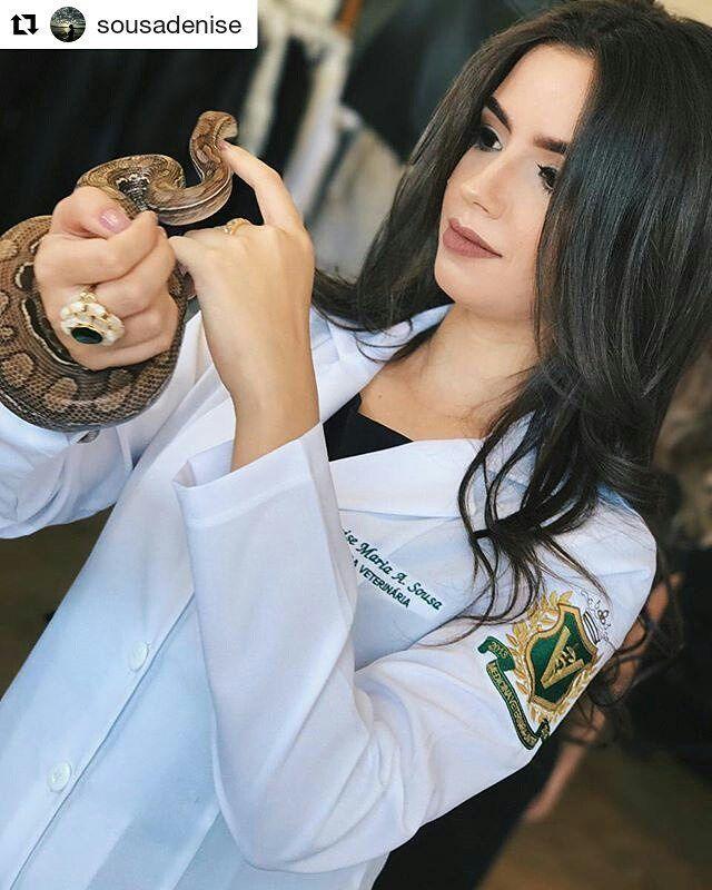 #Repost @sousadenise (@get_repost)   #rafavet #snake #veterinaria #cobra #veterin #autosexoticosmexico #snakesofinstagram #ford #vet #veterinarian #carporn #snakes #veterinary #medvet #exoticcars #carshow #exoticosmexico #exoticodecoraciones #veterinarymedicine #reptiles #venezuela #exoticosenmexico #islademargarita #amazing #vetmed #silvestredangond #exoticcarsmexico #silvestrismo
