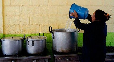 ¿Qué porcentaje población rural latinoamericana tiene acceso al saneamiento?