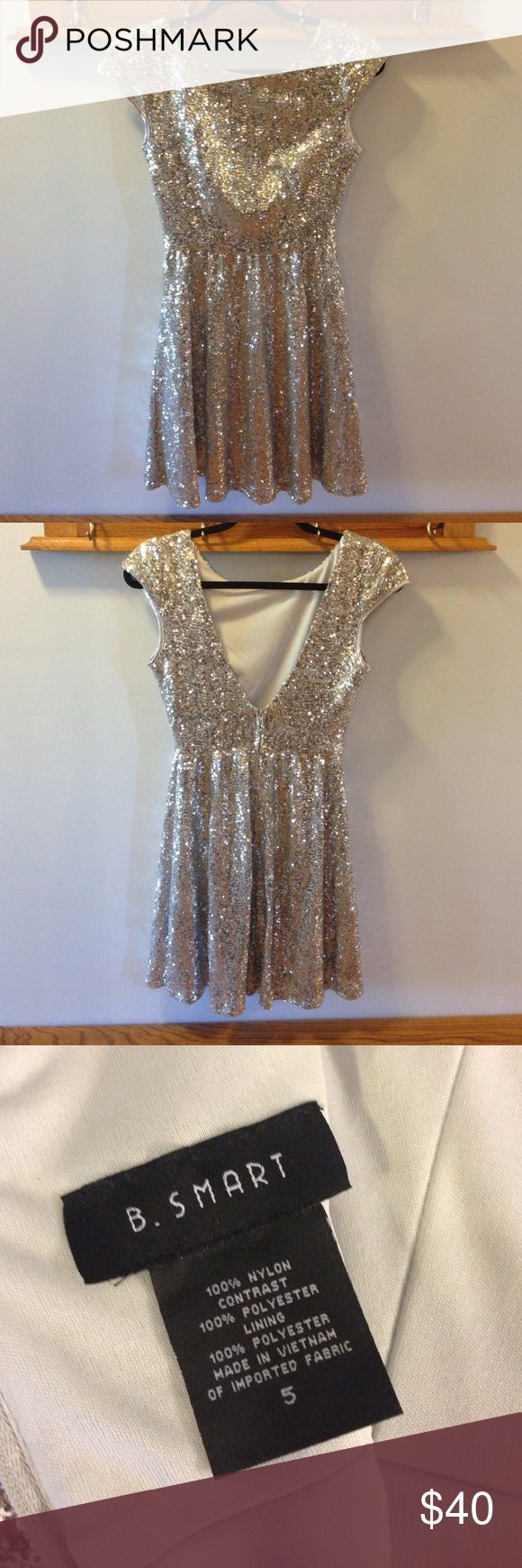 B Smart silver sequin formal dress Silver sequin formal dress, size 5, great for all formal occasions, worn once, very shiny B Smart Dresses