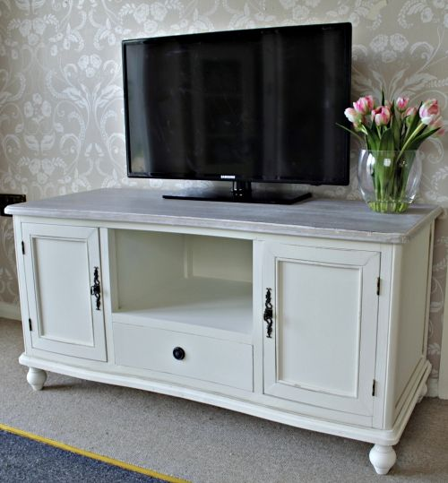 'Cottage' cream wooden tv unit/cabinet shabby lounge television stand chic