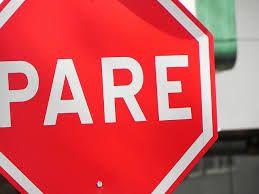 El vocabulario: El verbo #2: detener- parar una cosa, impedir que siga en movimiento