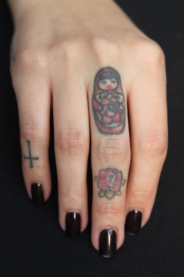 17 best images about finger tatts i want on pinterest for Pinky finger tattoos