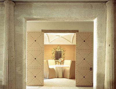 Saladino upholstered doors