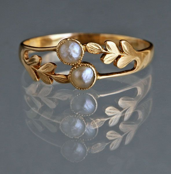 Edwardian Laureate Ring in Gold & Pearl c1905 ♥