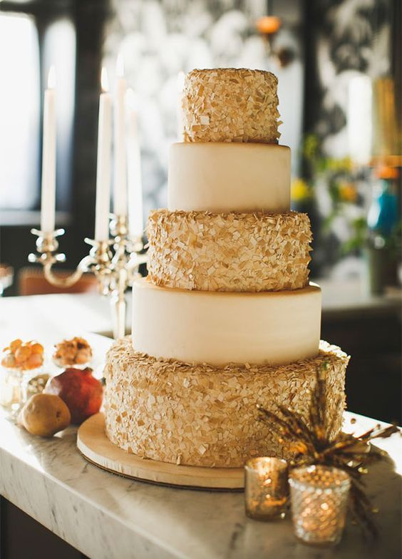 40 Champagne Wedding Ideas For Vintage