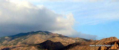 """#Almería - #Gádor - Sierra de Gádor - 36º 57' 18"""" -2º 29' 20"""" / 36.955000, -2.488889  Sierra de Gádor, macizo montañoso, corpulento y de gran extensión, tierra seca, a primera vista, se comporta como una verdadera """"esponja"""",que recoge y filtra las aguas que recibe para almacenarlas en su interior y dejarlas escapar por numerosas fuentes."""