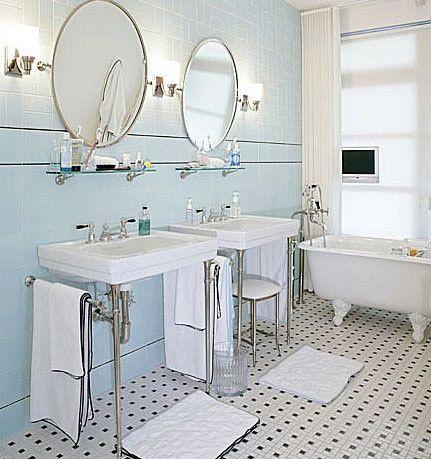 Charming Retro Bathroom: Black/white/pale Blue