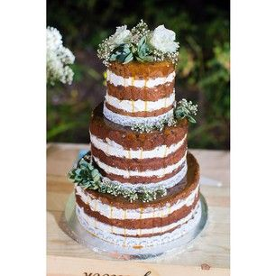 Aren't you cold, naked cake? | Community Post: 17 Wedding Cakes That Got Completely ~Naked~
