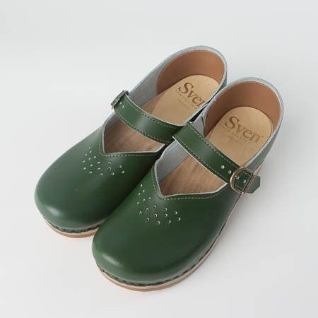 Closed Backs - Mary Janes with Small Punches - Bendable Base