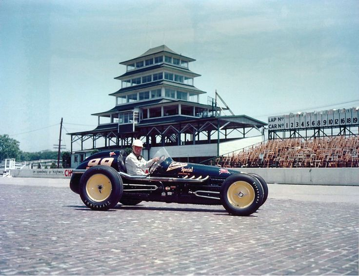 Lee Wallard competed in the Indy 500 from the years 1950 to 1954.  The picture is from 1951, the year he won the race. During this time the Indy 500 was part of the F1 schedule.