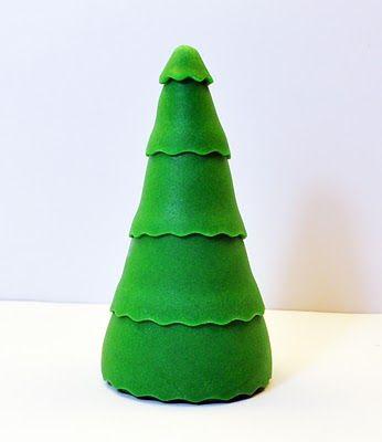 Judy's Cakes: Christmas Tree Tutorial #8
