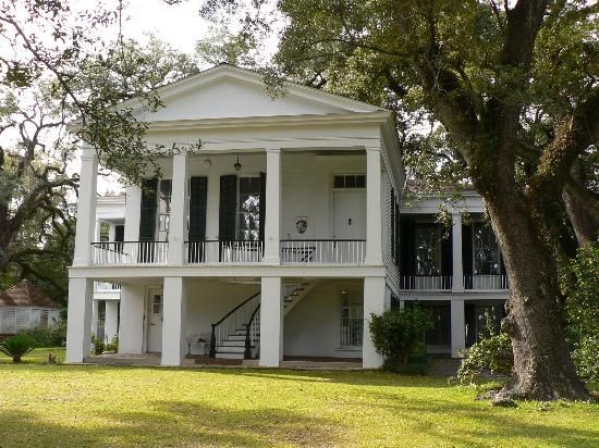 One Of Several Antebellum Homes In City Go During