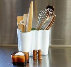 Alvar Aalto -Glass pot  Different ways to use an Aalto vase.