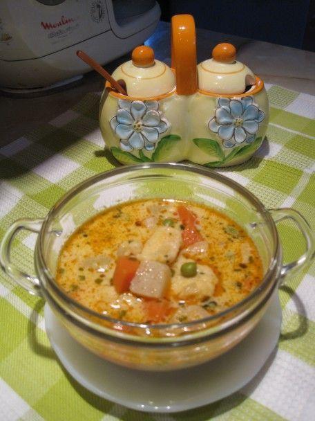 Sajtos, tejszínes zöldség leves
