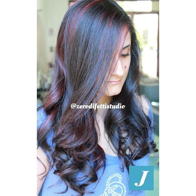 Aggiungi le sfumature che più ti piacciono con Starlight Joelle! ✔ Perfetto su capelli colorati o naturali ✔ Applicazione rapida ✔ Sfumature personalizzate Scopri di più su www.degradejoellematera.it  #cdj #degradejoelle #tagliopuntearia #degradé #igers #musthave #hair #hairstyle #haircolour #longhair #ootd #hairfashion #madeinitaly  #Matera #zerodifettistudioacconciatori