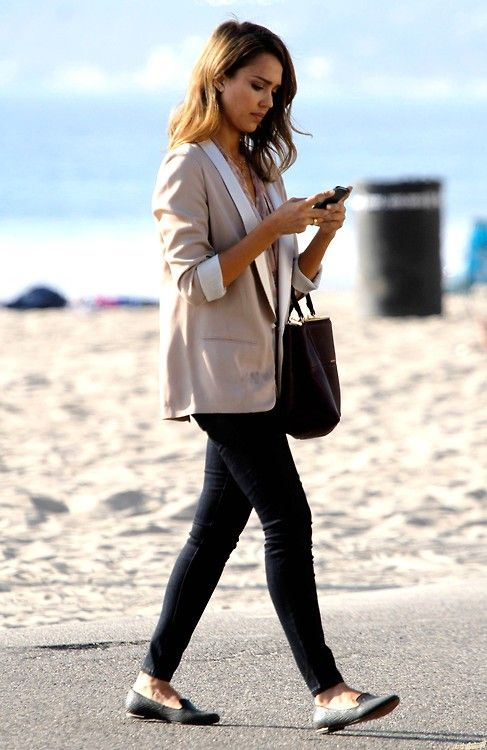 When in doubt, wear a blazer, skinny jeans, and ballet flats or loafers to the office like Jessica Alba.