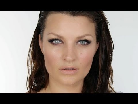 BOND GIRL SERIES: URSULA ANDRESS MAKE-UP TUTORIAL.  Love this for wedding makeup, with maybe a bit more on top of the crease.