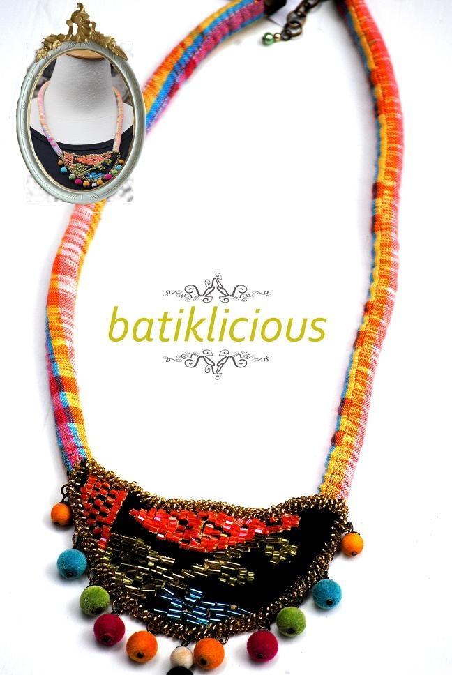 Tenun necklace