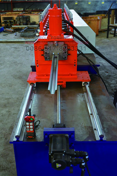 #Furring #Channel #Omega #Profile #Roll #Forming #Machine can stable and long time working to satisfied high quantity production.Machine working speed is 10-15m/min.You can setting length and pieces in PLC,then the roll forming machine can automatic working.It is only need one or two workers.Every roll forming machine everyday working about 8 hours.Workers should be everyday clean the machine and add oil.