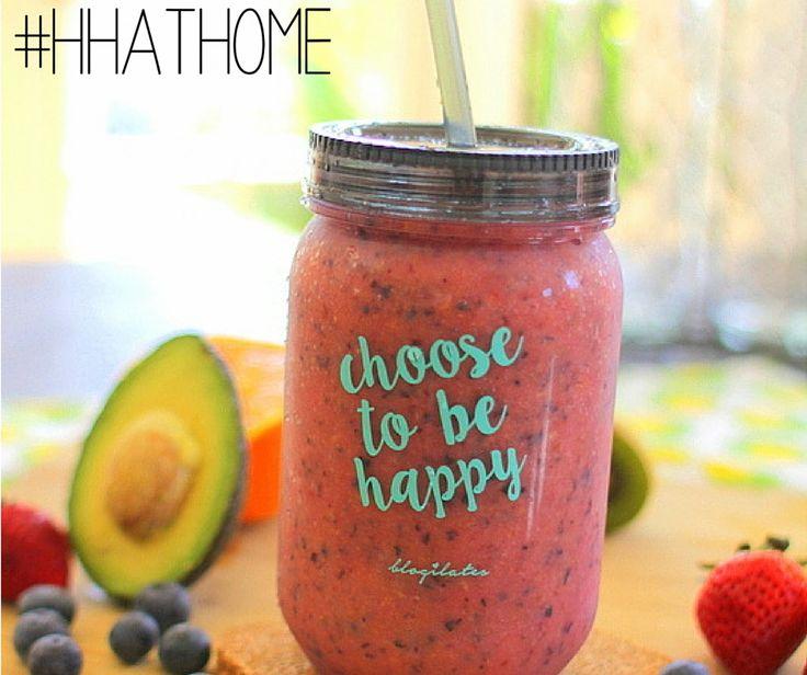 Very Berry Smoothie: – 5 aardbeien  – 1 beker verse bosbessen – 1 grote sinaasappel – 1/2 c amandelmelk en een handvol ijs 164 calorieën, 2.8 g proteïne, 4g vet, 47.8g koolhydraten, 5g vezels