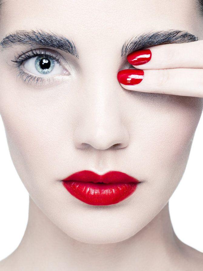 Unghie perfette... senza andare dalla nail artist: xxllacline.it