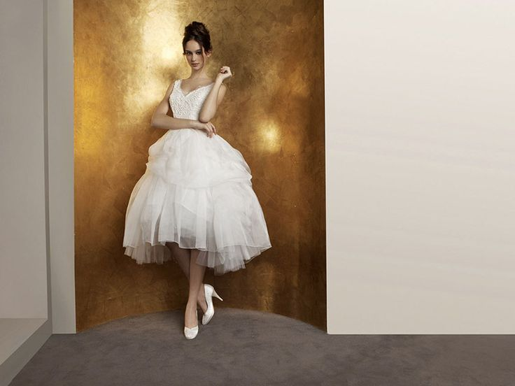Ogni #sposa desidera l'#abito dei sogni, con @AntonioRivaMi le #spose saranno #eleganti e #perfette. #abitodasposa