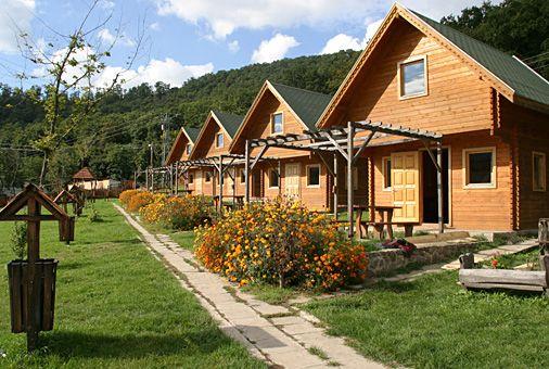 Csattogó-völgyi Üdülőházak