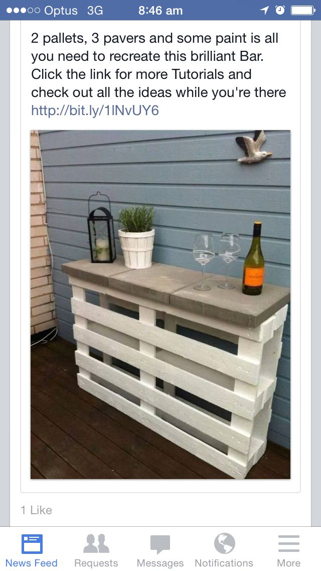 Outdoor area - palette and concrete top bar